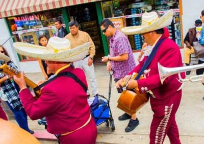 band-playing-at-the-street-400x284 cinco de mayo san diego 2018