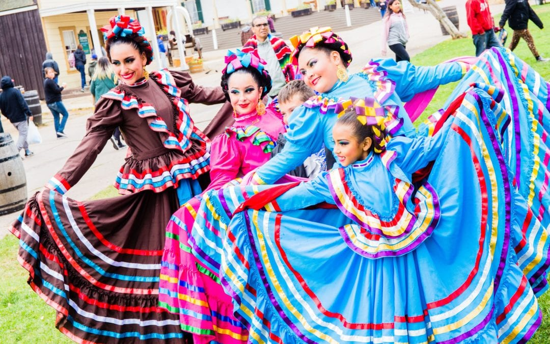6 Ways to Spice Up Your Cinco Celebration at Fiesta Old Town Cinco De Mayo